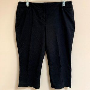 3/$25 Black Cropped Ankle Pants